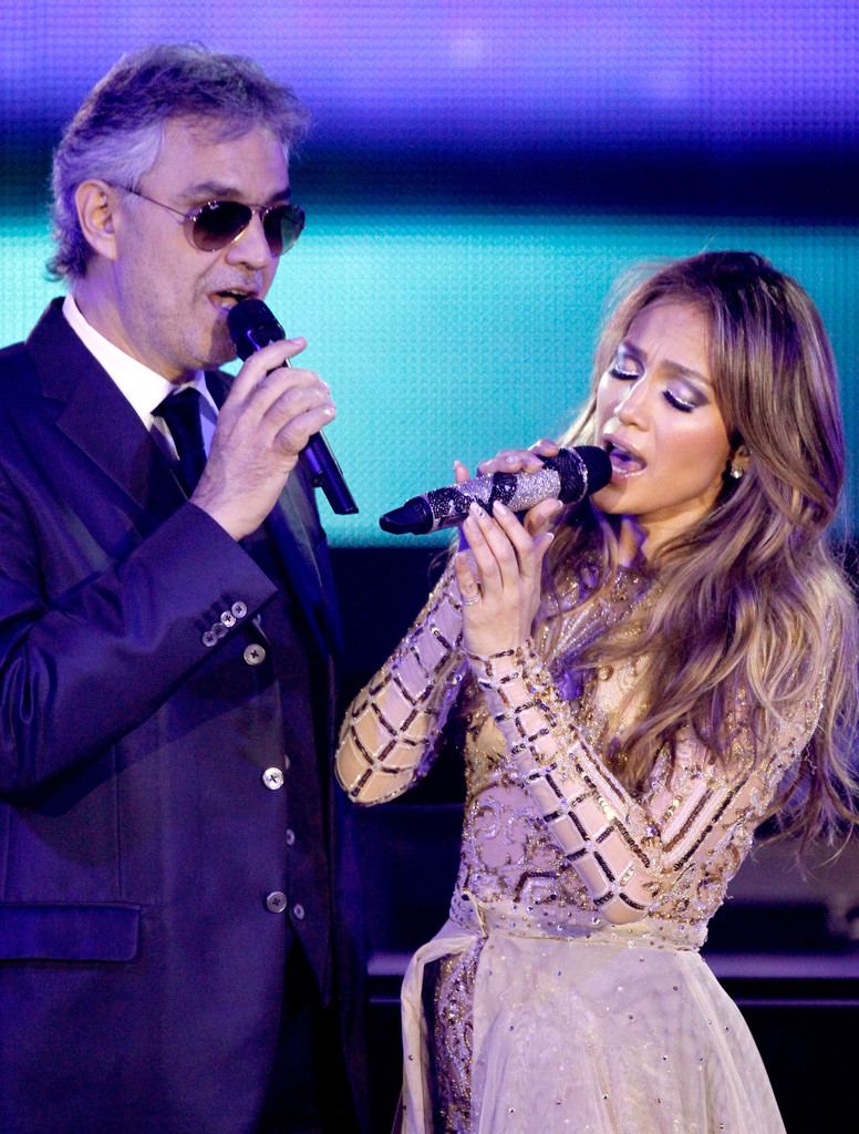 Andrew Bocelli performs with Jennifer Lopez